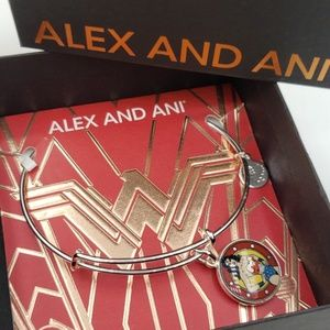 NWT Alex and Ani Wonder Woman SS